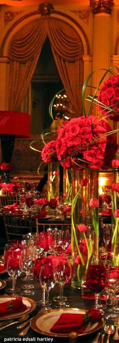 Red decor. Beautiful, especially for Christmas or Valentine's wedding