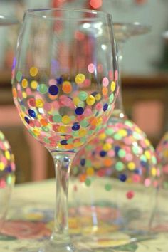 How fun are these confetti wine glasses? Easy to make with some acrylic paint and the eraser end of a pencil! Just bake them when your satisfied with the paint at 350 for 30 minutes. They would be great for a birthday party or even a gift.