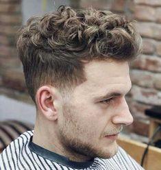 Langes Top Lockige Frisur