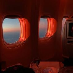 i crave the uncomplicated quiet, and the sky open close home ask about face tags credit Orange Aesthetic, Rainbow Aesthetic, Aesthetic Colors, Aesthetic Photo, Travel Aesthetic, Aesthetic Pictures, Red Aesthetic Grunge, Maroon Aesthetic, Retro Instagram