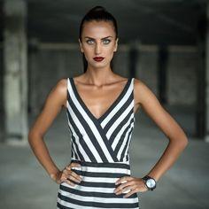 Il must have dell estate  il vestito lungo a righe. Come scegliere il  modello più adatto a noi   fashion  moda 0635e3544ff