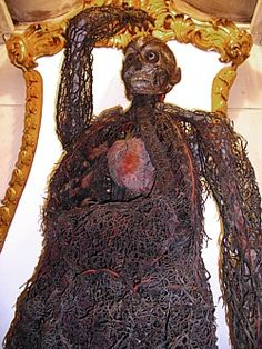 """The """"Anatomical Machines"""" of the Prince of Sansevero, In the Underground Chamber [of the San Severo Chapel Museum in Naples, Italy], housed in two glass cases, are the famous Anatomical. Mummy Museum, Creepy, Scary, Arteries And Veins, Grandeur Nature, Prince, Anatomy Art, Chapelle, Places Of Interest"""
