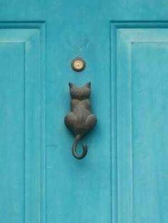 To knock on the door Oven kolkutin
