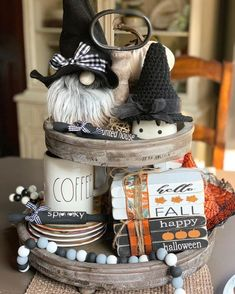 Halloween Home Decoration Ideas to Bring Out the Creepy Impression Halloween Items, Halloween House, Halloween Decorations, Fall Halloween, Happy Halloween, Fall Decorations, Costume Halloween, Vintage Halloween, Halloween Makeup