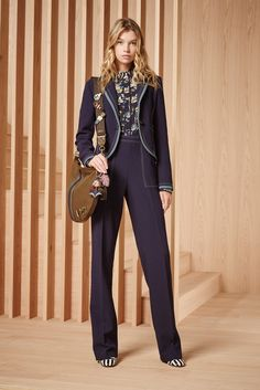 Tory Burch, 2016  The 70s are back! #fashion #fall