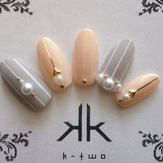 四季皆可 風格|條紋、優雅 Office Nails, Asian Nails, Nail Inspo, Beauty Nails, My Nails, Nail Designs, Stud Earrings, Nail Art, Parents