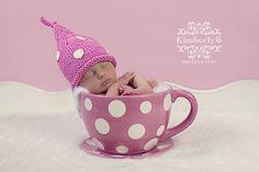 Such a cute newborn pic idea!