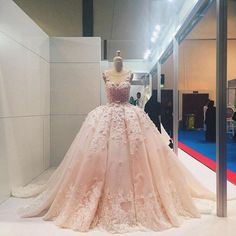 Mak Tumang. Omg. I haven't been this wowed by a gown in a while. Breathtaking.