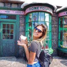 21 Trendy Fashion Photography Poses Studios Posts - From Parts Unknown Disney Universal Studios, Universal Studios Singapore, Universal Orlando, Fashion Photography Poses, Cute Photography, Ootd Poses, Theme Park Outfits, Fashion Fotografie, Disneyland Photos