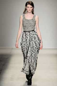 Fall 2014 Ready-to-Wear - Véronique Leroy, shape created by pockets