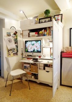 turning a wardrobe into an office! two thumbs way up for ingenuity!   Hmm I'm not sure if this is a good idea or not