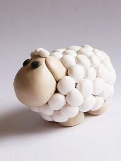 Un mouton en pâte Fimo: