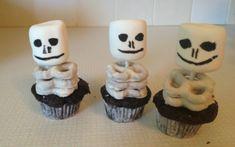 Halloween Skelton cupcakes - Halloween party anyone?