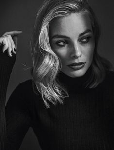 Margot Robbie photographed by Miller Mobley for The Hollywood Reporter, January Margot Elise Robbie, Margo Robbie, Actress Margot Robbie, Margot Robbie Harley Quinn, Margot Robbie Photoshoot, Divas, The Hollywood Reporter, Hollywood Actresses, Portraits