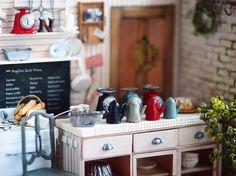 original handmade miniature  size 1/12  . ミニチュア キッチン  コメントおやすみします      #ミニチュア#miniature  #スイーツデコ#小さいもの#ミニチュアキッチン#miniatureKitchen#キッチン #miniaturefood #カウンターキッチン#可愛いパッケージ#tea#coffee#cafe#ポット#ハンドメイド#cute by chiisanashiawase2015