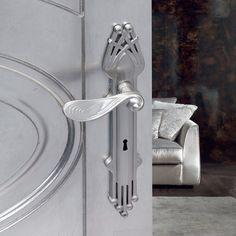 Manilla modernista en Niquel brillo. Ambientes sofisticados. Art Nouveau, Door Handles, Coding, Brass, Modern, Furniture, Italy, Design, Home Decor