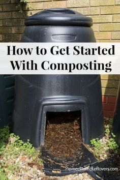 How to Get Started With Composting - Use these tips to turn your food waste into free compost that is nutrient-rich and can be used in your organic garden! Garden Compost, Vegetable Garden, Garden Plants, Gardening Vegetables, Diy Compost Bin, Container Gardening, Garden Beds, Garden Projects, Garden Tools