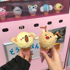 Kawaiishanny discovered by Shannaʕ Milk Shakes, Ice Cream Desserts, Cute Desserts, Comida Disneyland, Deco Restaurant, Kawaii Dessert, Cute Cafe, Cafe Food, How Sweet Eats
