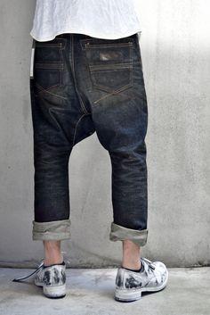 Harem Pants Men, Edwin Jeans, Rare Clothing, Mens Fashion 2018, Drop Crotch Pants, Denim Boots, White Tee Shirts, Tailored Shirts, Fresh Outfits