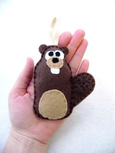 Felt Ornament Alastair the Beaver Made to Order by RedMarionette Homemade Christmas, Christmas Crafts, Christmas Ornaments, Le Castor, Beaver Scouts, Felt Crafts, Diy Crafts, Wood Badge, Activity Games