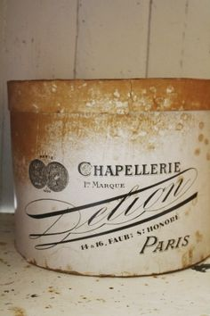 I collect hat boxes, but I don't have any old French ones! Vintage Hat Boxes, Vintage Tins, French Vintage, French Hat, Shabby Vintage, Decoupage, Paris Flea Markets, Old Boxes, Vintage Typography