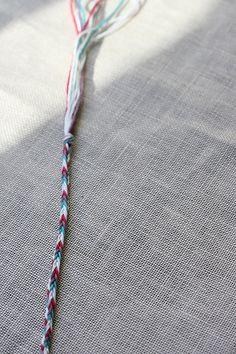 Friendship Bracelet Tutorial: 4 sided braid