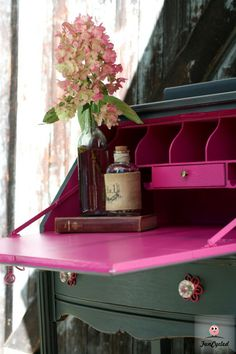 Grey and Hot Pink Secretary Desk – Tuesday's Treasures (not hot pink but I like the use of a bright color inside) Refurbished Furniture, Paint Furniture, Repurposed Furniture, Furniture Projects, Vintage Furniture, Furniture Plans, System Furniture, Furniture Chairs, Furniture Stores