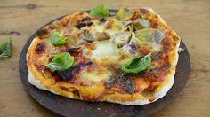 Neljän vuodenajan pizza sisältää neljää erilaista täytettä.