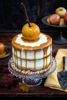 This spiced apple layer cake with mascarpone frosting is moist, incredibly fragrant and utterly delicious. The perfect cake for fall.