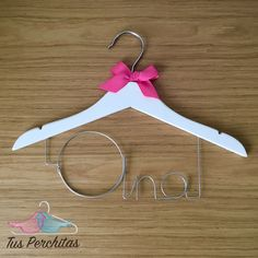 Percha personalizada para Ana. Clothes Hanger, Gifts, Personalized Hangers, Personalized Gifts, Manualidades, Coat Hanger, Presents, Clothes Hangers, Favors