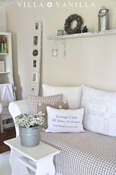 villa vanilla, fab idea for mini frames to avoid so many holes in the wall