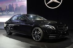 A photo gallery of the 2017 Mercedes-AMG E43 at the New York Auto Show (11 photos)