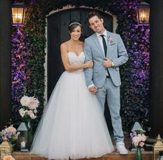 Josh and Colleen are the cutest couple ever! I'm so happy for them. They both look so bootiful on their wedding day!Getting teary eyed-