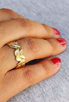 Gold Band, Bridal Ring, Solid Gold Ring, 14K Gold Band, Statment Ring, Gold Leaf Ring, Gold Leaf Wedding Ring, 14K Wedding Ring, Wide Ring #oritsosner #jewelry #fashion #art #handmade #etsy #gift #style #ring #rings #weddingring #giftforher #gold #18K #marriage #gentle #Engagementring #giftforher #TexturedRing #rosegold #rosegoldring #goldband #weddingband #flower #floral #leaf #goldleaf #14K #goldband #weddingjewelry Boho Wedding Ring, Unique Wedding Bands, Wedding Jewelry, Wedding Rings, Leaf Ring, Bridal Rings, Handmade Wedding, Yellow Gold Rings, Gold Bands