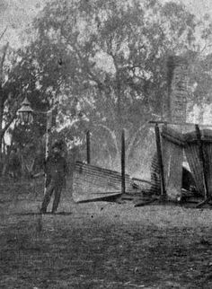 The burnt remains of the hotel in Glenrowan, shortly after the Kelly Gang's last stand. World History Teaching, World History Lessons, History Facts, Historical Romance Authors, Historical Photos, High School Hacks, School Tips, Middle School Counseling, Ned Kelly