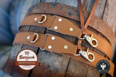 Brown padded leather camera straps to match your stile https://genuinestrap.wordpress.com/dslr-strap-editions/garioch/