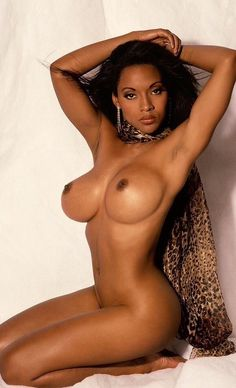 Ebony beauty nude