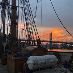 Sailing on East River #nyc #thebigapple #eastriver #tallships #sunset #hellsgate #photobydavidfeldt #usa #newyorkcity #newyork_instagram