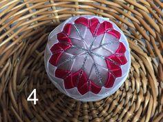 Dekorácie - vianočné patchworkové gule staroružová v kombinácii s bielou a pink - 7147197_