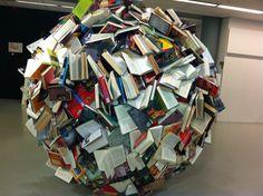 BOEKENBAL! Museum #Coda in Apeldoorn expositie #PaperArt tot 27 oktober. #duurzaam #hergebruik #kunst