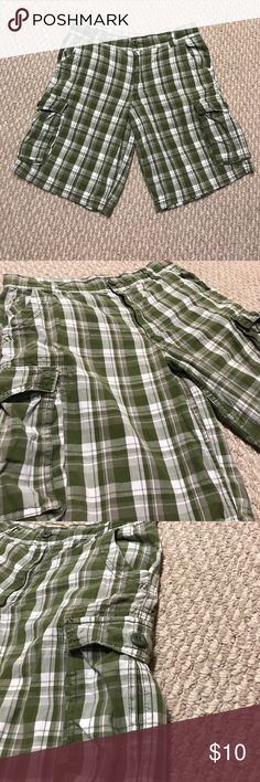 Boys cargo shorts Perfect condition! No flaws whatsoever. Size 16 husky but it has buttons on the inside to tighten the weight. Fit well on my son who is not a husky size Arizona Jean Company Bottoms Shorts