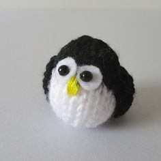 TEENY PENGUIN TOY KNITTING PATTERNS