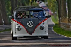 How to scare the living daylights out of 3 of your friends… a racing Kombi!!! YeeHaa!!