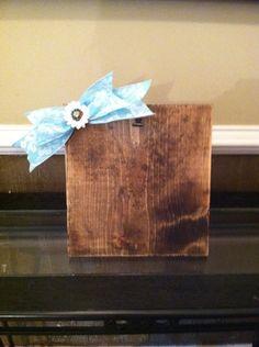 Rustic Wood n Burlap Picture Hanger,Distressed Wood Frame#BarnwoodFrames,#RusticWood#WoodnBurlap#woodnburlappictureframe #Rusticpictureframe