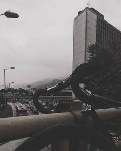 Photo:@xxorrtizz @overr.timee  #bogotaphotography #bogotafixed #bogota #fixieporn #fixielatina #fixerupper #fixiedgear #fixiecolombia… Fixer Upper, Latina, Photography, Colombia, Bicycles, Fotografie, Photography Business, Photo Shoot, Fotografia