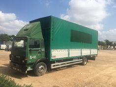 Camion daf 1300 turbo con caja frutera de 7,90largo x 2,90alto x 2,50ancho,semitauliner,camion en muy buen estado.  de 10.000 kilos.ITV EN VIGOR
