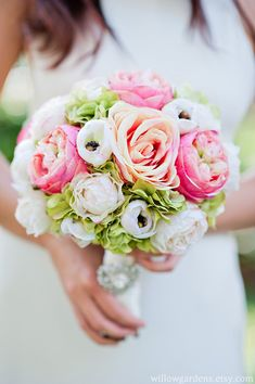 Garden rose bouquet maybe this to bring the grey suit together with the flowers @meghanbuehler