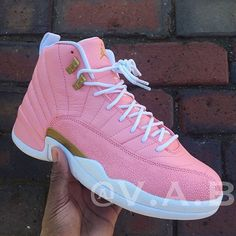 Amazing pink sneakers from Jordan Women's Shoes, Hype Shoes, Me Too Shoes, Shoe Boots, Pink Shoes, Jordan Shoes Girls, Girls Shoes, Jordan Outfits, Shoes Women