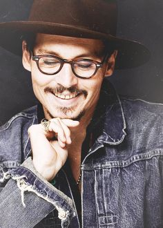 Johnny Depp rare smile he doesn't like to show his teeth