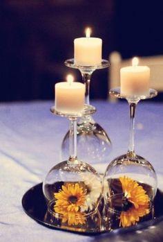kaars op wijnglas